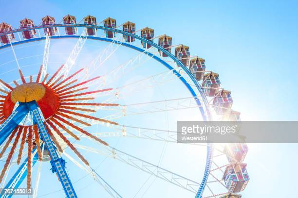 germany, munich, ferris wheel at the oktoberfest - ferris wheel stock pictures, royalty-free photos & images