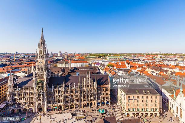 germany, munich, view to new city hall at marienplatz - marienplatz stock pictures, royalty-free photos & images