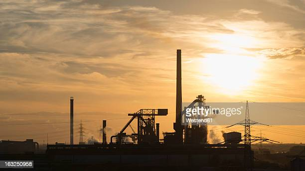 germany, north rhine westphalia, duisburg, view of smelting plant - ruhr stock pictures, royalty-free photos & images
