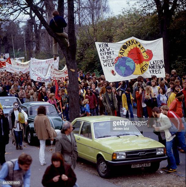 Germany North RhineWestphalia Bonn Demonstration by antinuclear activists