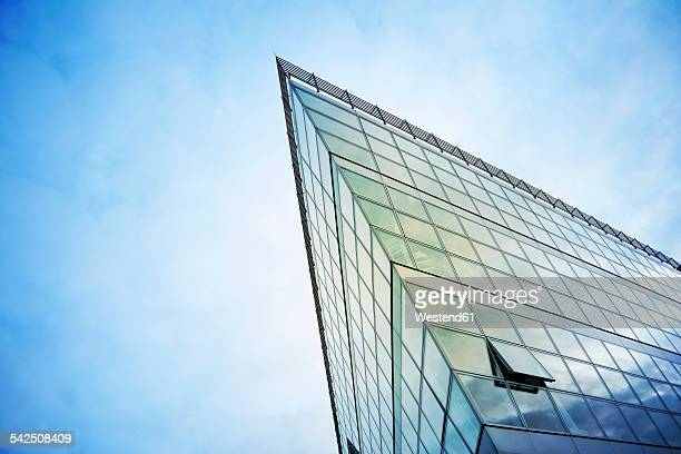 Germany, North Rhine-Westphalia, Duesseldorf, part of glass facade of modern office building