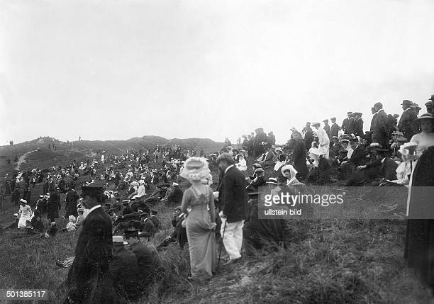 people in the dunes near Westerland in the 1910s