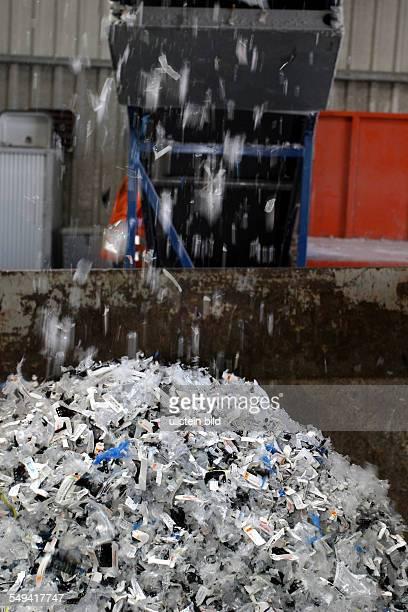 DEU Germany Nyga Recycling GmbH slides are shreddered