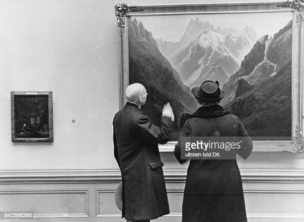 Germany Old National Gallery in Berlin vistors watching the painting Watzmann by Caspar David Friedrich 1932 Photographer Paul Mai Published by...