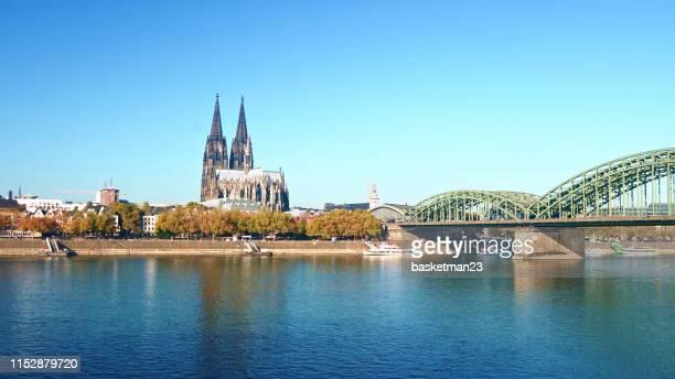 a catedral de colónia-germany uma da catedral mundialmente famosa - colônia renânia - fotografias e filmes do acervo