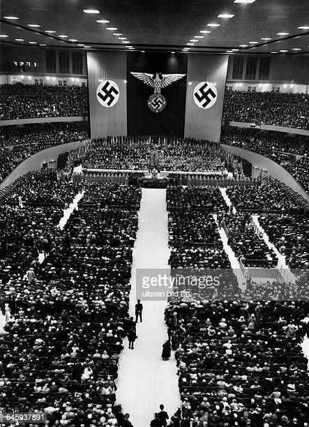 Germany Parades and Rallies in the Third Reich Arrival of Nazi propaganda chief Joseph Goebbels for the Swearingin ceremony of political leaders at...