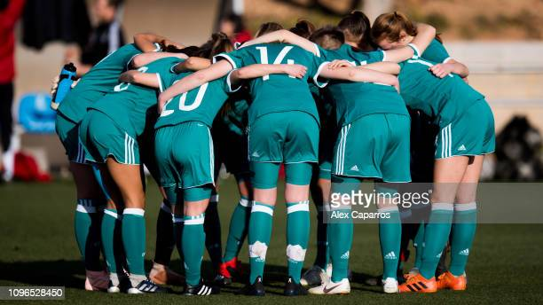 Germany players huddle up before a friendly match between Germany U17 Girl's and England U17 Girl's on January 19, 2019 in Salou, Spain.