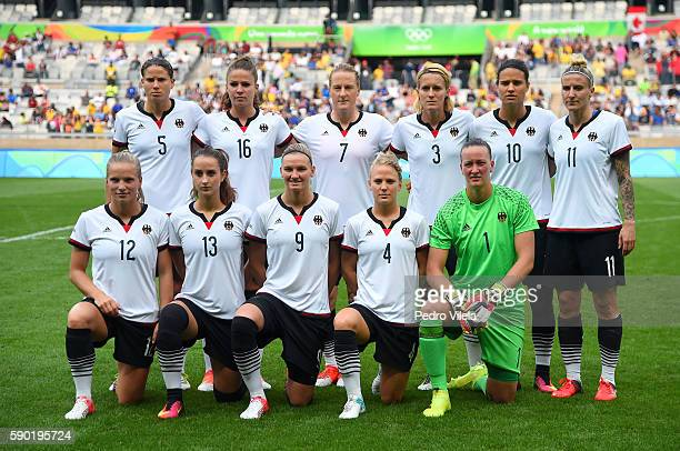 Germany pose for a team photo prior to the Women's Semi Final match between Germany and Canada on Day 11 of the Rio 2016 Olympic Games at Mineirao...
