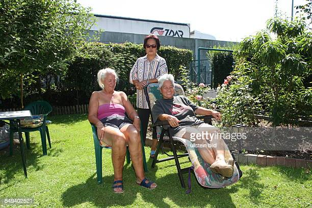 """Germany, Reportage """"Living at the highway 40"""". Bochum, allotment beside the highway"""