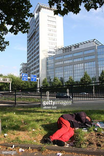 DEU Germany Reportage Living at the highway 40 Bochum homeless people
