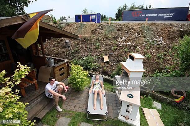 DEU Germany Reportage 'Living at the highway 40' residential houses in Wattenscheid
