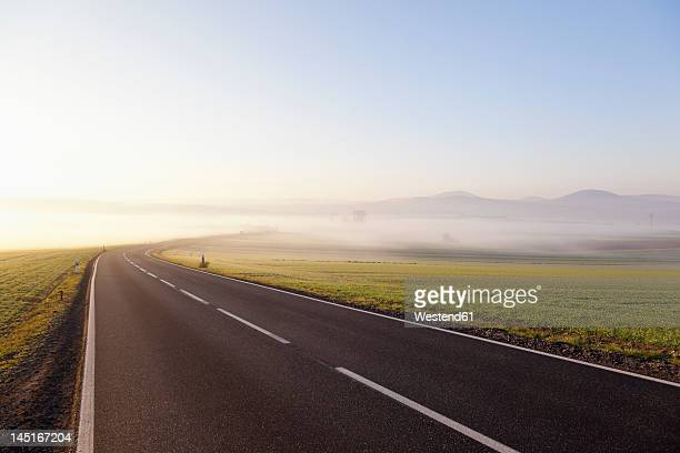 Germany, Rhineland Palatinate, View of empty country road