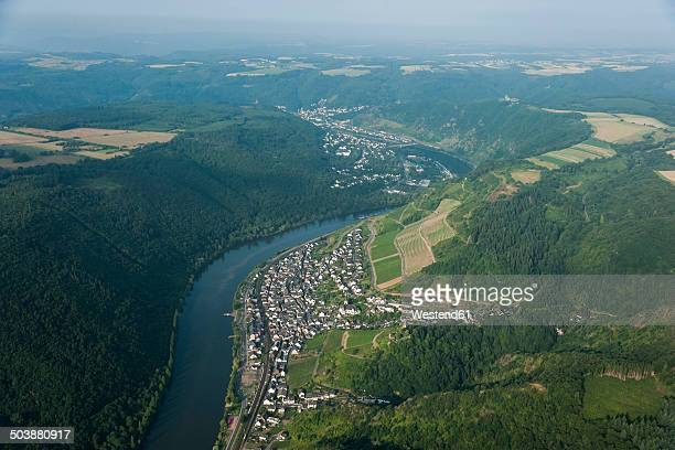 germany, rhineland-palatinate, aerial view of klotten and cochem with moselle river - moseltal stock-fotos und bilder