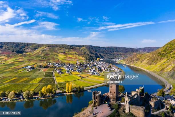 germany, rhineland-palatinate, poltersdorf, moselle river, metternich castle - moseltal stock-fotos und bilder