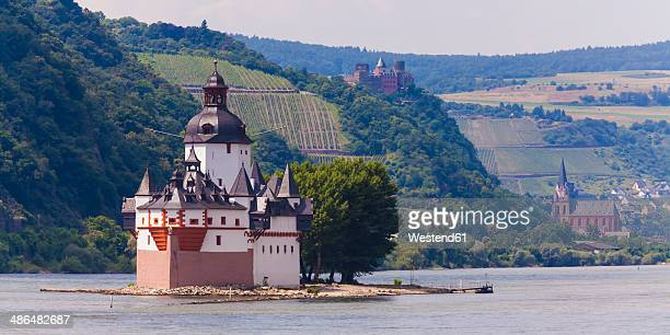 germany, rhineland-palatinate, view of pfalzgrafenstein castle near kaub on rhine river - unesco stock-fotos und bilder