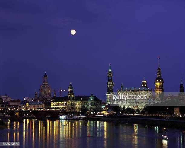 Night shot of the town during full moon'Sekundogenitur' 'Frauenkirche' 'Staendehaus' 'Hofkirche' and'Hausmannsturm'