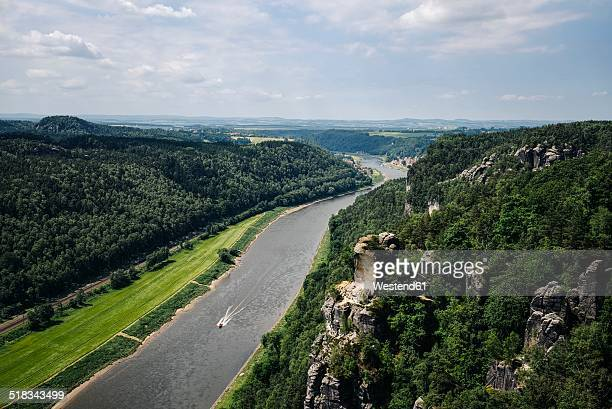 germany, saxony, saxon switzerland, sandstone formations at river elbe - flussufer stock-fotos und bilder