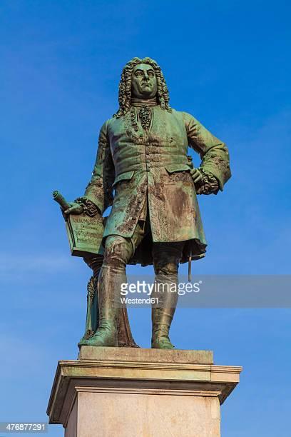 germany, saxony-anhalt, halle, haendel memorial on market square - ジョージ ヘンデル ストックフォトと画像