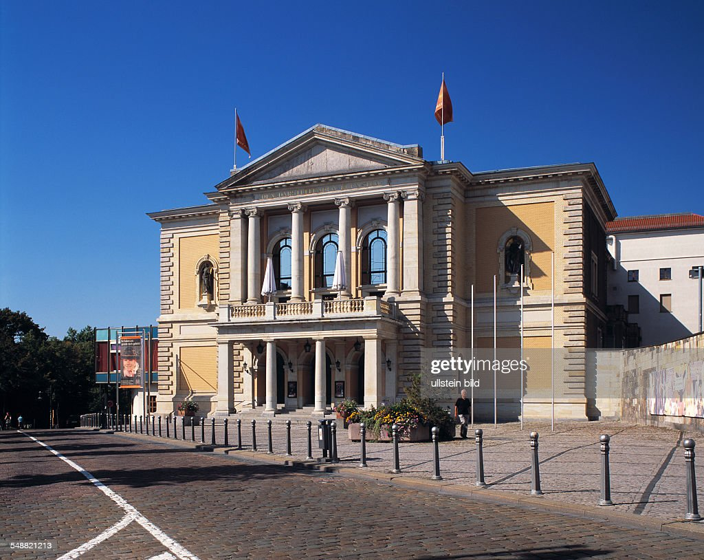 Germany, Saxony-Anhalt, Halle (Saale) - opera house : News Photo