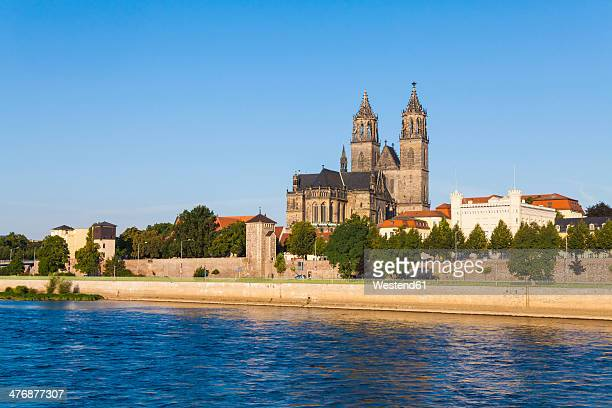 Germany, Saxony-Anhalt, Magdeburg, Cityscape with River Elbe, Fuerstenwall and cathedral