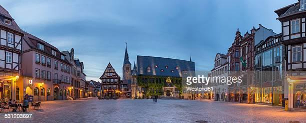 germany, saxony-anhalt, quedlinburg, market square at dusk - saxony anhalt stock pictures, royalty-free photos & images