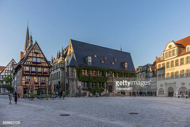 germany, saxony-anhalt, quedlinburg, townhall and market square - saxony anhalt stock pictures, royalty-free photos & images