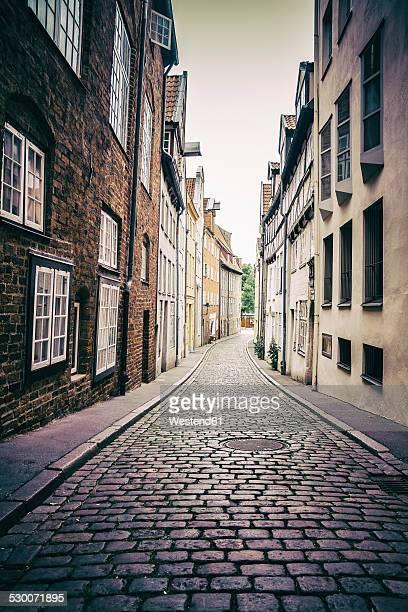 Germany, Schleswig-Holstein, Luebeck, old town, alley Kleine Petersgrube
