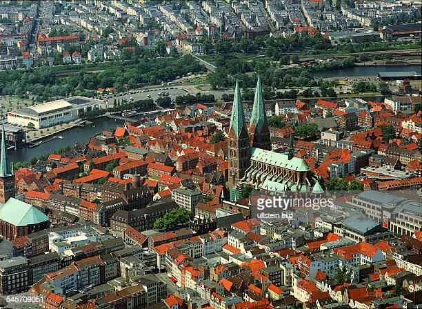 Germany SchleswigHolstein Luebeck Old town with 'St Mary's church'