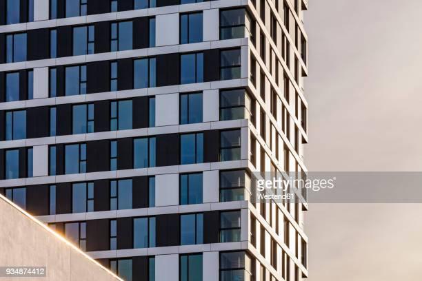 germany, stuttgart, modern apartment tower, partial view - シュトゥットガルト ストックフォトと画像