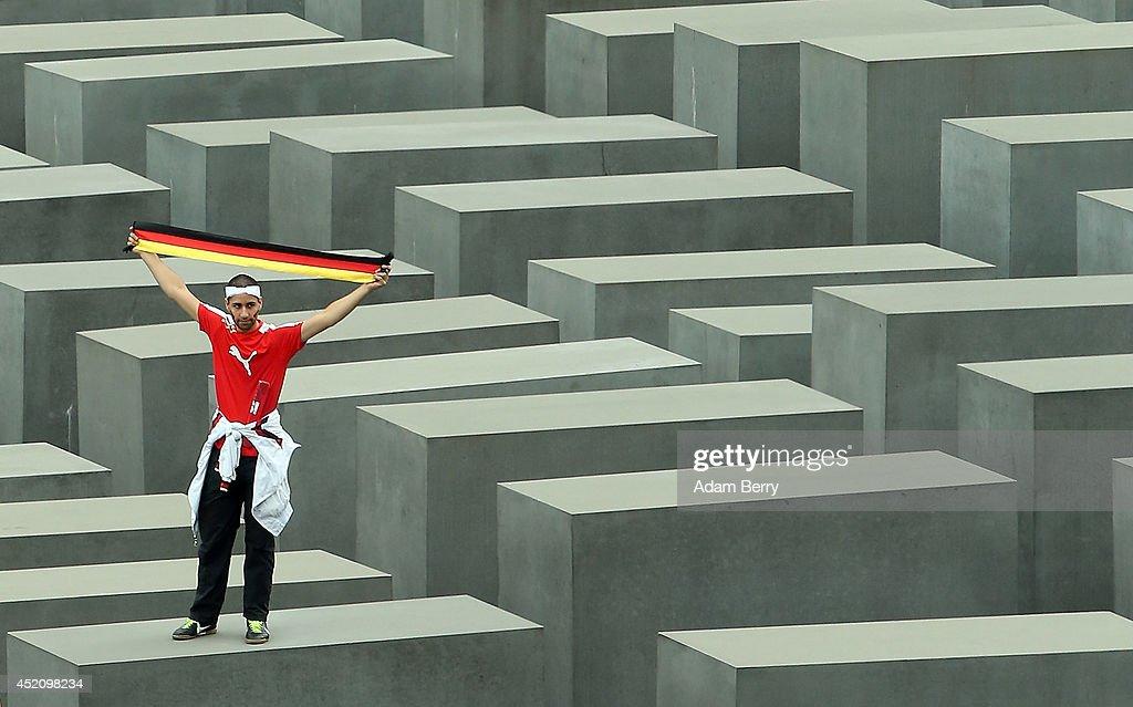 Germany Fans Watch 2014 FIFA World Cup Final : Nachrichtenfoto