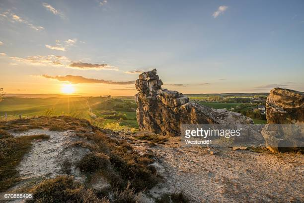 germany, thale, weddersleben, devil's wall at sunset - saxony anhalt stock pictures, royalty-free photos & images