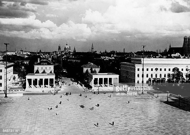 Germany : The Koenigsplatz in Munich after its reconstruction; buildings from the left: the 'Fuehrer Building', the two 'Honorary Temples for the...