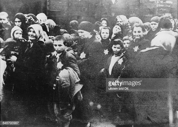Germany, Third Reich - concentration camps 1939-45 Hungarian Jews before their selection at the ramp of Auschwitz Summer 1944
