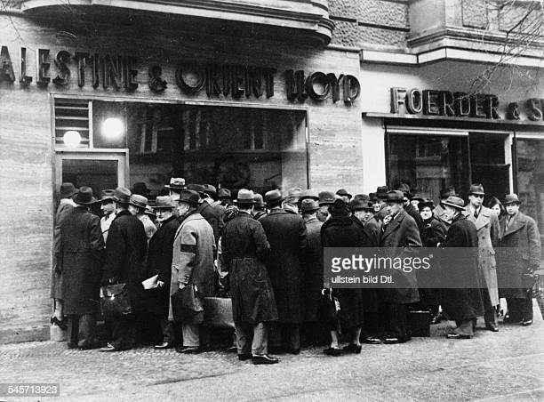 Germany Third Reich persecution of Jews 193339 emigration Crush at the booking office of the shipping company 'Palestine and Orient Lloyd' in Berlin