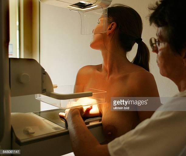 Germany Thuringia Universitaetsklinik Jena breast cancer preventive medical checkup mammogram