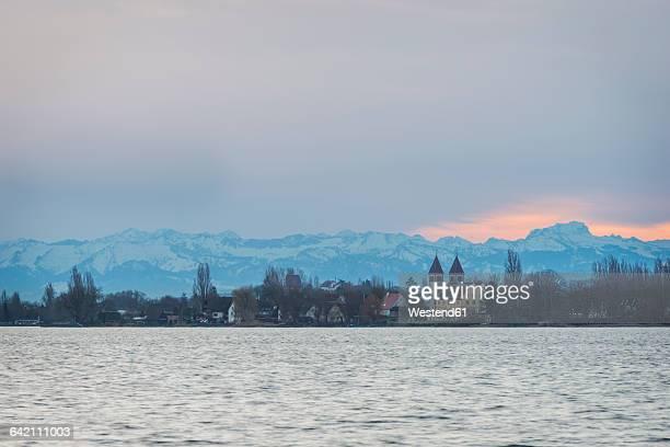 germany, view from mettnau to reichenau island in the evening - unesco stock-fotos und bilder