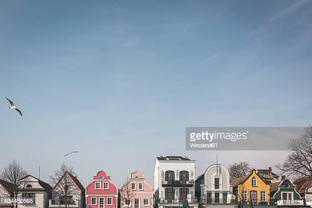 Germany, Warnemuende, row of houses at Hafenstrasse