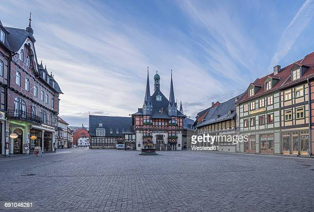 germany, wernigerode, view to town hall and market square - städtischer platz stock-fotos und bilder