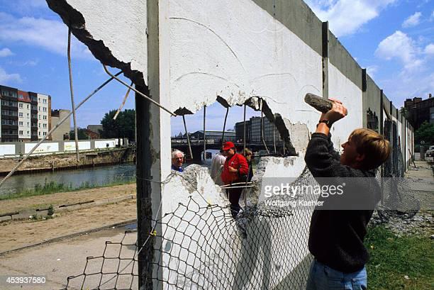 Germany West Berlin People Demolishing Berlin Wall To Get A Piece As A Souvenir