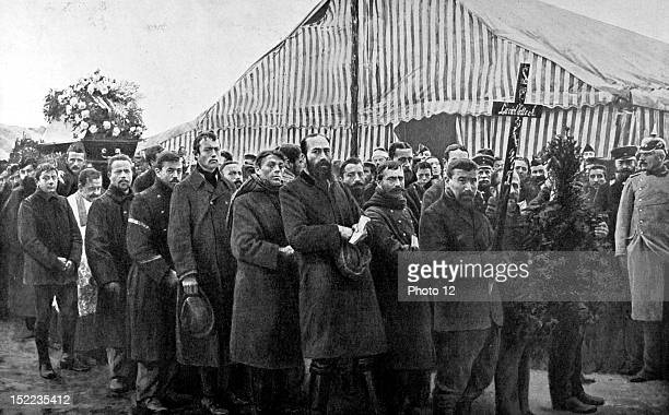 Germany World War I The Parchim concentration camp The coffin of a French prisoner is being taken to the cemetery by his fellow captives