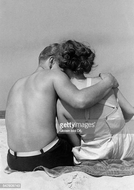 Germany young couple at the beach 1939