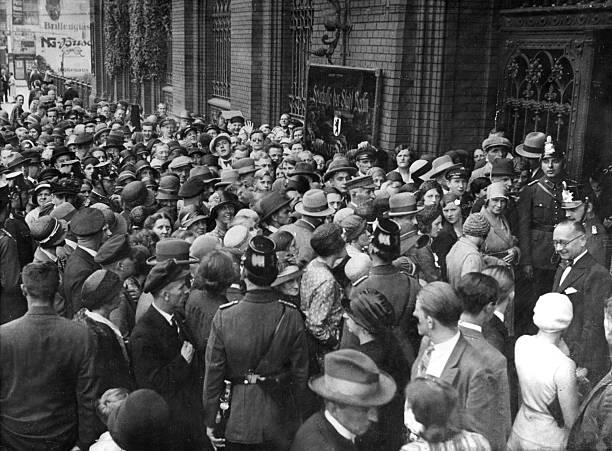 GERMANY:Great Depression 1929-32 - Bank Panic, 1931 ...