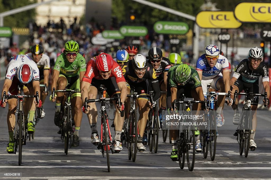 CYCLING-FRA-TDF2015-LINE : News Photo