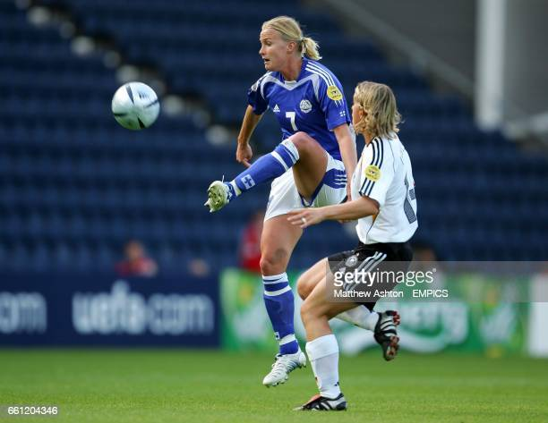 Germany's Britta Carlson and Finland's Anne Makinen