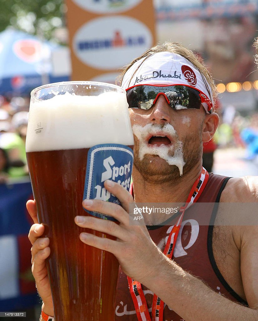 Germany's Faris al Sultan drinks beer af : News Photo