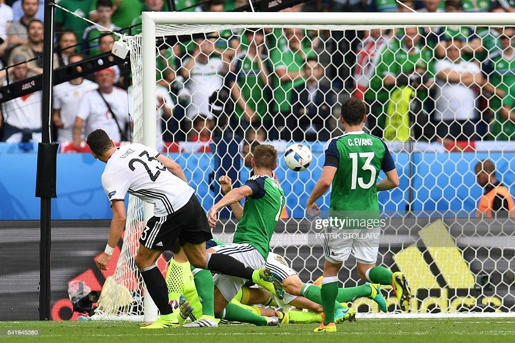 FBL-EURO-2016-MATCH30-NIR-GER : News Photo