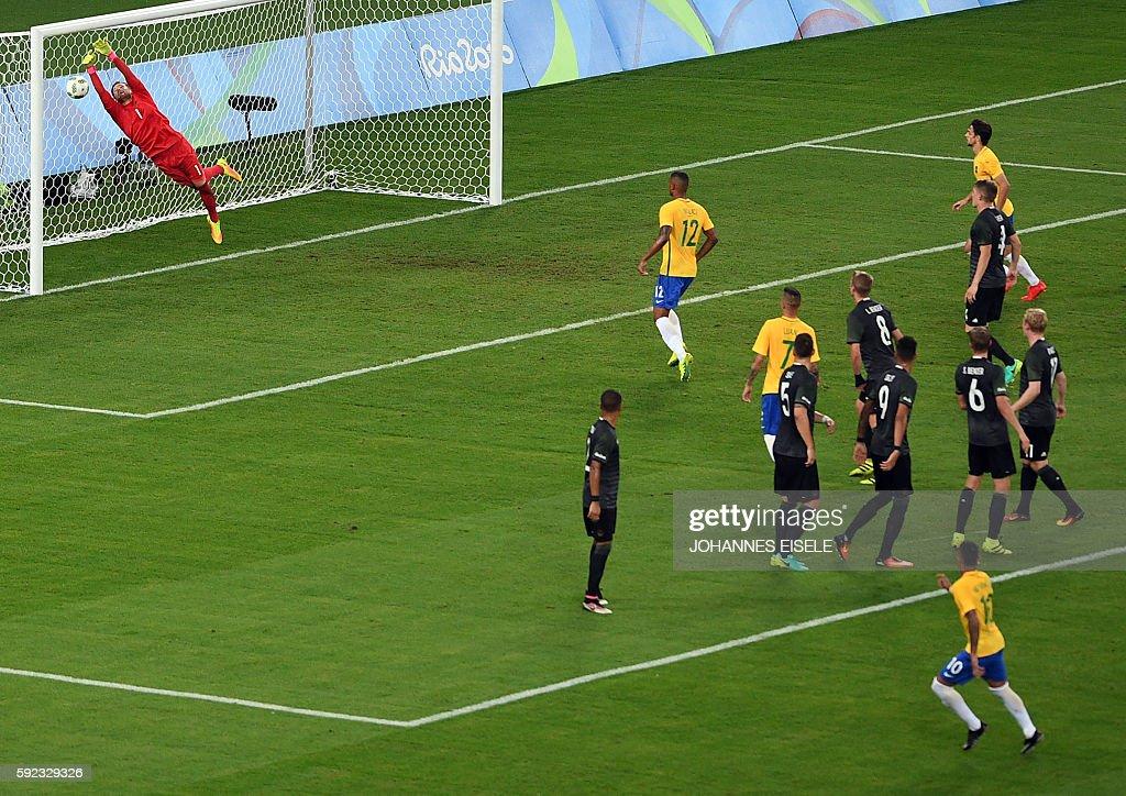 FBL-OLY-RIO-2016-MEN-BRA-GER : News Photo