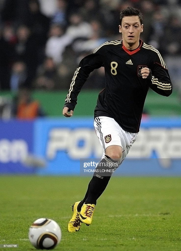 Germany's midfielder Mesut Oezil controls the ball during the friendly football match Germany vs Argentina in the southern German city of Munich on March 3, 2010 ahead of the FIFA 2010 World Cup in South Africa.