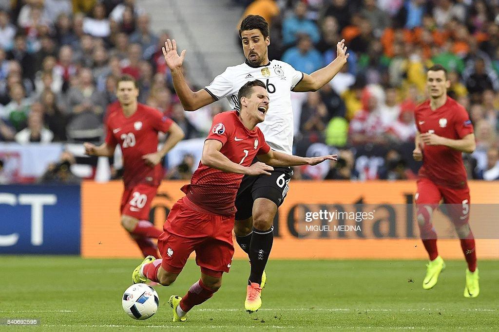 FBL-EURO-2016-MATCH18-GER-POL : News Photo