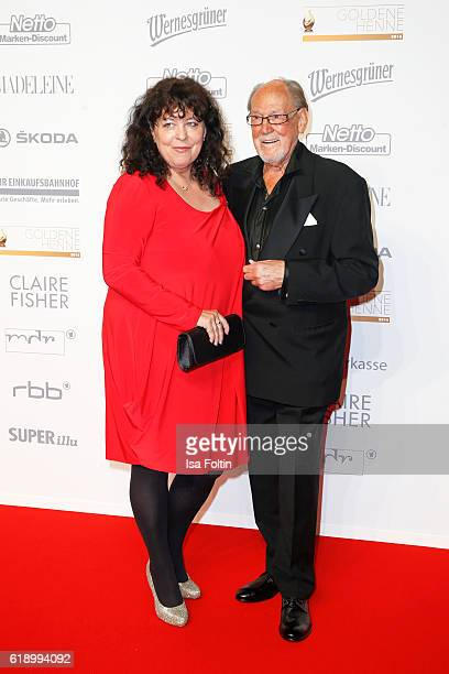 Germn actor Herbert Koefer and his wife Heike Knochee attend the Goldene Henne on October 28 2016 in Leipzig Germany